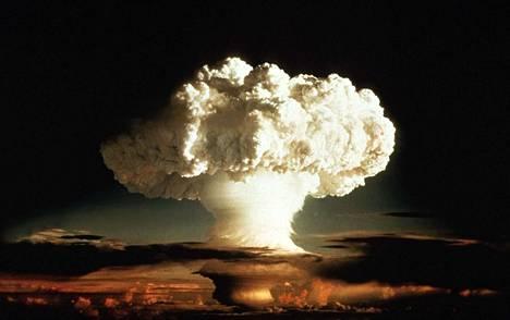 Maailman ensimmäinen vetypommi Ivy Mike räjäytettiin Enetawkin atomilla 1952.