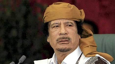 Al-Jazeera-television mukaan Libyan diktaattori Muammar Gaddafi olisi halukas neuvottelemaan kapinallisten kanssa vetäytymisensä ehdoista.