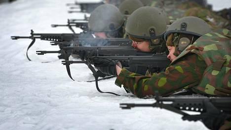 Sininen tulevaisuus -puolue ehdottaa puolustuspoliittisessa ohjelmassa muun muassa uusien varuskuntien perustamista lakkautettujen tilalle.