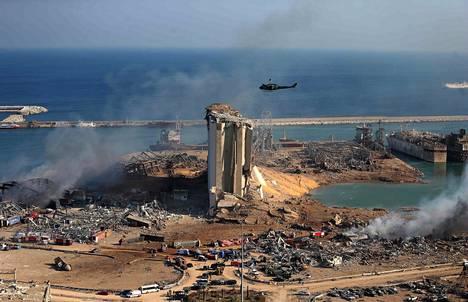 Näkymä satamasta päivä räjähdyksen jälkeen.
