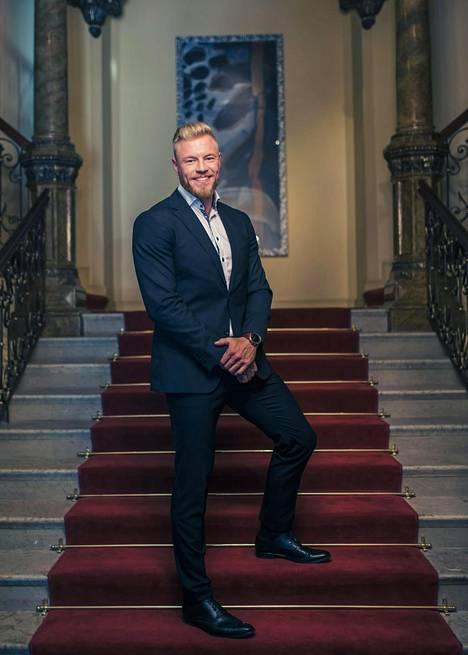 Juha Rouvinen muistetaan Bachelor Suomen unelmien poikamiehenä.