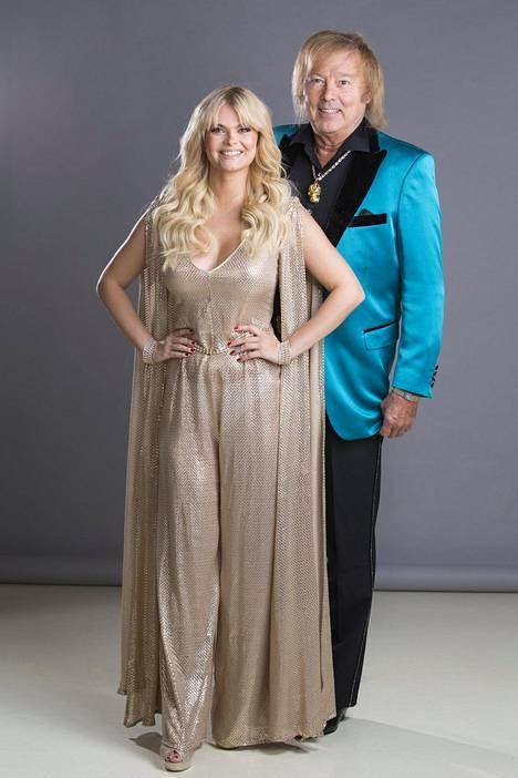 Erika Vikman näyttelee Dannysta kertovassa musikaalissa Katri Helenaa. Pariskunta on tottunut työskentelemään yhdessä.