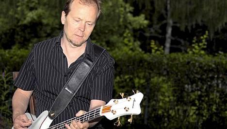 Wigwam-muusikko Jussi Kinnunen järjestää elokuussa Suomen ensimmäisen muusikoille tarkoitetun päihdehoitokurssin.