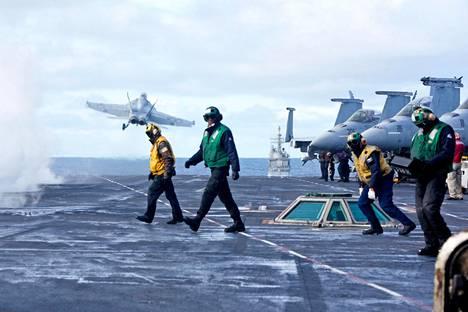 Lentotukialus Harry S. Truman ja sen taisteluryhmä ottavat osaa Trident Juncture -harjoitukseen Pohjois-Atlantilla.