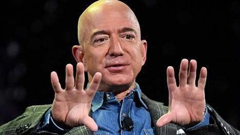 Yhdysvaltalainen miljardööri Jeff Bezos on yksi maailman rikkaimmista ihmisistä.