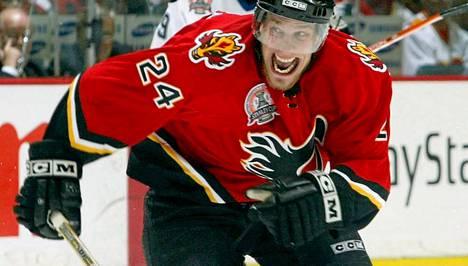 Ville Nieminen ylsi Calgaryn kanssa Stanley Cupin finaaleihin keväällä 2004.