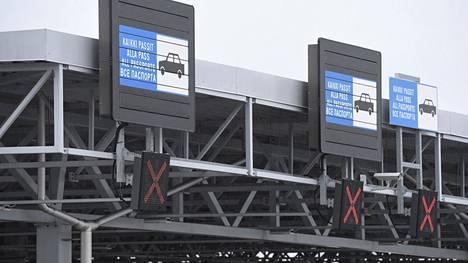 Vaalimaan raja-aseman testeissä on löydetty koronatartuntoja EM-kisaturisteilta.
