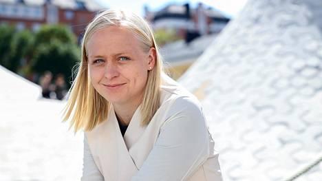 Elina Lepomäellä on vireillä avioero, eikä hän siksi ole ehdolla kevään kuntavaaleissa.