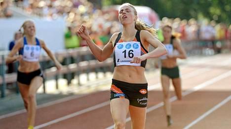 Katri Mustola yllätti kaikki Kalevan kisoissa voittamalla SM-kultaa ja parantamalla ennätystään kuusi sekuntia.