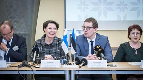 Suomen ja Viron liikenneministerit Anne Berner ja Kristen Michal allekirjoittivat yhteistyösopimuksen liikenteen kehittämiseksi Tallinnan ja Helsingin välillä tammikuussa 2015.