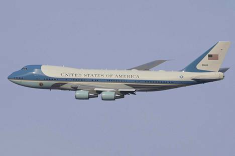 Yhdysvaltain presidentin lentokone tunnetaan nimellä Air Force One.