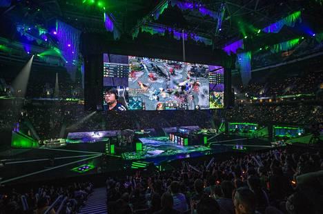 Finaalia seurasi Rogers Arenalla 16000 ihmistä je netissä arviolta 14 miljoonaa.