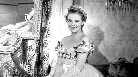 Regina Linnanheimo väheksyi itse tunnetuimpia roolejaan romanttisissa pukudraamoissa. Myöhemmin hän hankkiutui rohkeampiin elokuviin.
