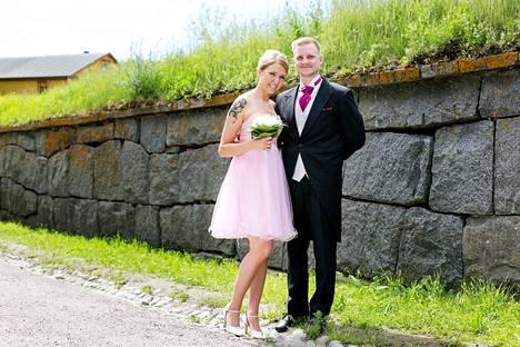 Miia ja Olli löysivät toisensa Ava-kanavan Ensitreffit alttarilla -ohjelmassa.