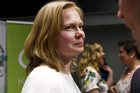 Hanna Kosonen toimii tiede- ja kulttuuriministerinä Annika Saarikon äitiysloman ajan.
