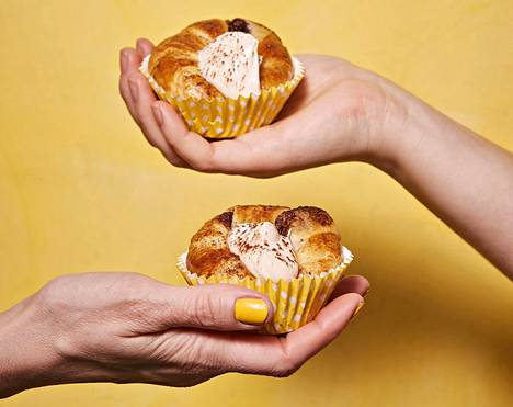 Voisarvi on nimenä hämäävä, sillä valmis croissant-taikina on vegaaninen. Jos haluat herkusta kokonaan vegaanisen, käytä maitojauheetonta suklaa-pähkinälevitettä ja tee vaahto kasvivispistä.