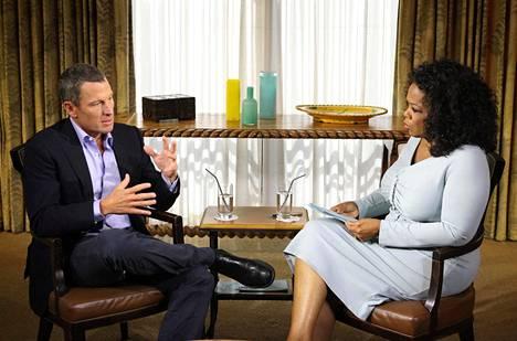 Armstrong tunnisti dopingsyntejään Oprahille vuonna 2013.