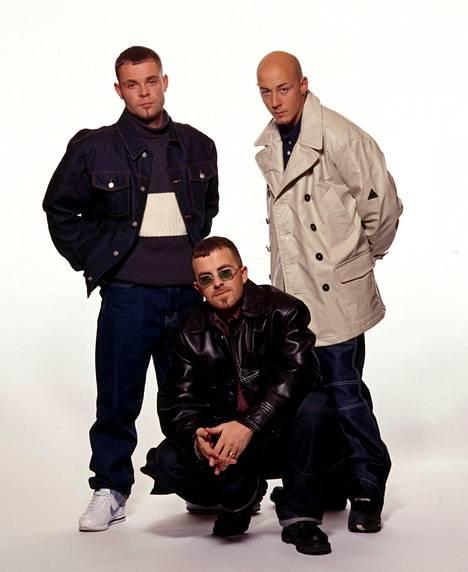 East 17 -yhtyeen laulajat Brian Harvey (vas.), Terry Coldwell ja John Hendy.