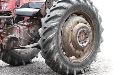 Kuvituskuvan traktori ei ole uutisessa mainittu ajoneuvo.