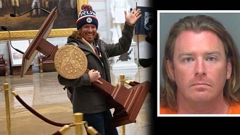Puhujanpöntön varastanut Adam Johnson on pidätetty.
