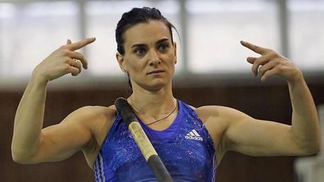 Jelena Isinbajeva on kaksinkertainen olympiavoittaja.