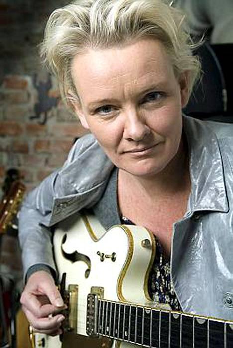 Eva Dahlgren saapuu kesä-Suomeen kahdesti.