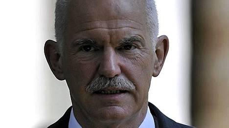 Kreikan pääministeri George Papandreou ihmettelee, mitä kaikkea lainavakuuksilla tarkoitetaan.