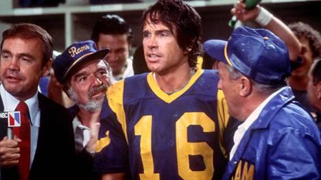 Amerikkalaisen jalkapallon joukkueen Los Angeles Ramsin pelaaja Joe Pendleton (Warren Beatty) joutuu ennenaikaisesti taivaaseen.