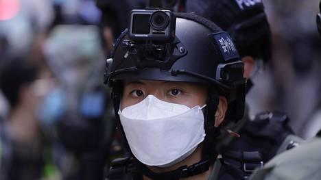 Uusi kansallisen turvallisuuden lainsäädäntö tuli hiljattain voimaan Hongkongissa. Erityishallintoalueen poliisilla on käytössään kehittynyttä valvontateknologiaa.