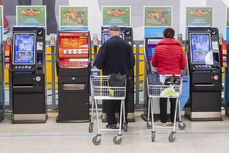 Turkulaisille pelipaikoille maksettiin viime vuonna automaattipalkkioina yli kolme miljoonaa euroa.