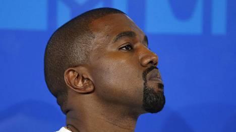 Kanye West saapumassa MTV Video Music Awards -gaalaan New Yorkissa 28. elokuuta 2016.