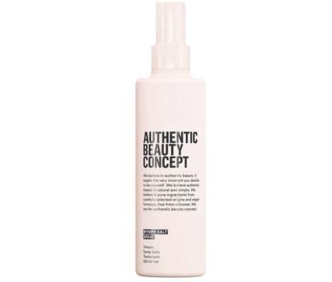 Authentic Beauty Conceptin rakennetta antavassa Nymph Salt Spray -suolasuihkeessa on lämpösuoja 230 asteeseen asti, 28,30 € / 250ml.