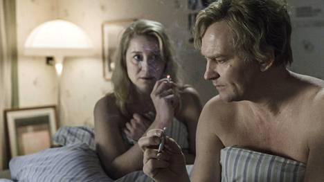 Ulrich Thomsen ja Trine Dyholm loistavat Kommuuni-elokuvan pääparina.