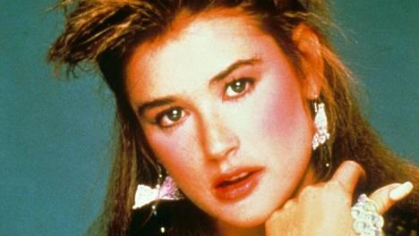 80-luvun Demi Moorella oli meikki kohdillaan.