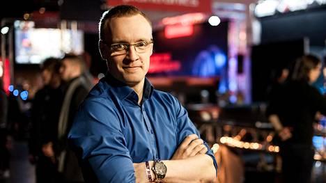Joonas Kapiainen toimii Suomen elektronisen urheilun liiton puheenjohtajana.