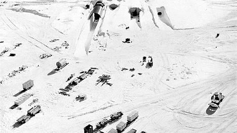 Camp Century oli jään alle rakennettu pieni kaupunki, jota lämmitti ydinvoimalaitos.