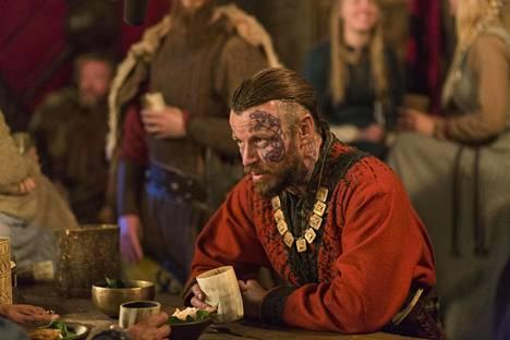Peter Franzén näyttelee Harald Kaunotukkaa, joka on neljännellä kaudella saapunut viikinkikylään.