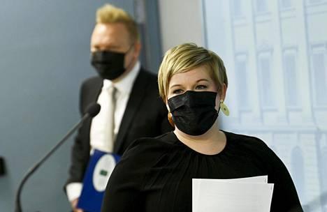 Kulttuuriministerinä aiemmin toiminut keskustan puheenjohtaja Annika Saarikko ottaa nyt haltuunsa puolueen raskaimman salkun, valtiovarainministeriön.
