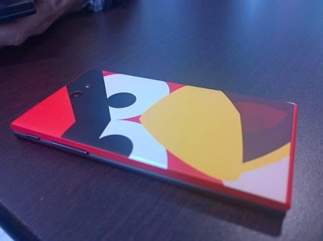 Jolla-puhelimen Angry Birds -puolisko mahdollistaa uusien tekniikoiden tuomisen vanhaankin puhelimeen.