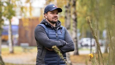 Juha-Pekka Haataja on huolissaan SM-liigassa tilaa valtaavista NHL-pelaajista.