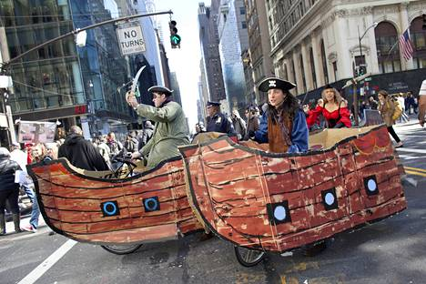 Occypy Wall Street -liike protestoi tuloeroja Wall Streetillä, New Yorkissa vuonna 2011.