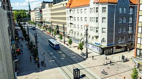Hämeenkadun länsipäätä Tampereen keskustassa.