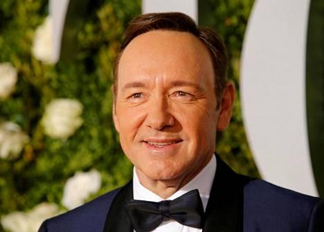 Kahdesti palkittua Oscar-näyttelijää vastaan on esitetty yli 30 ahdistelusyytöstä. Näyttelijää vastaan on myös nostettu syytteitä.