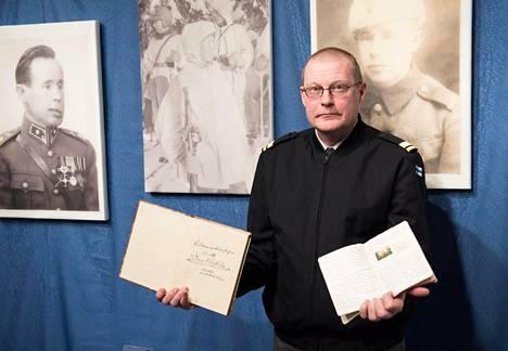Lappeenrannan teknillisen yliopiston dosentin, majuri Tapio Saarelaisen kirja oli menestys.