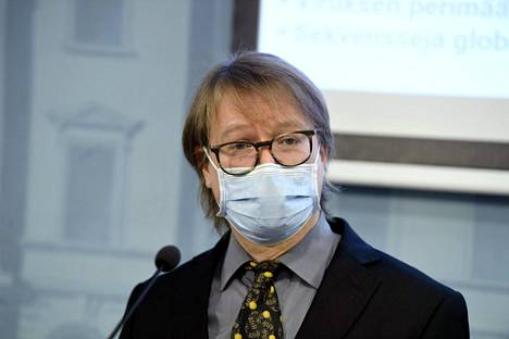Helsingin yliopiston professori Olli Vapalahti STM:n ja THL:n koronatilannetta käsittelevässä tiedotustilaisuudessa Helsingissä 29. joulukuuta 2020.
