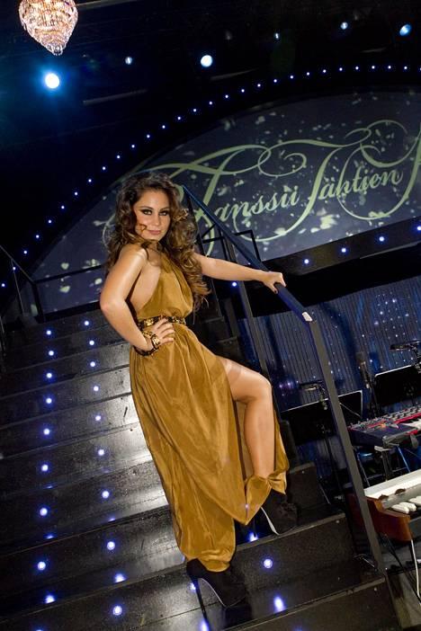 Vuonna 2011 Anna vaikutti Tanssii tähtien kanssa -ohjelman tuomaristossa.