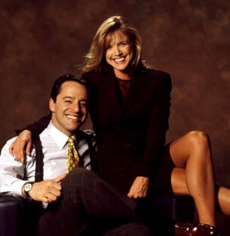 Sarjan keskeisiä teemoja olivat Ally McBealin ja tämän nuoruudenrakkauden Billyn (Gil Bellows) suhde. Ex-rakastavaiset päätyivät työskentelemään samaan työpaikkaan, jossa asioita mutkisti vielä se, että kyseessä oli myös Billyn vaimon Georgian (Courtney Thorne-Smith) työpaikka.