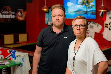 Janne ja Minna Sillgren ovat päättäneet tarjoilla lounaan kokonaan lautasannoksina – myös hampurilaiset.