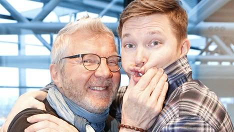 Erikoisliikemiehissä Pirkka-Pekka Petelius ja Juha Perälä matkustavat ympäri Suomea tavoitteenaan pelastaa pienten kylä- ja kivijalkakauppojen tulevaisuus.