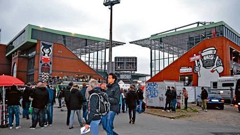 St. Paulin kotistadion on faniensa näköinen paikka.